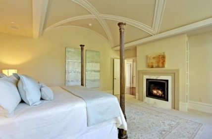 Barreled-ceiling-with-beautiful-trim-inside-offers-an-interesting-variation-from-the-monotony
