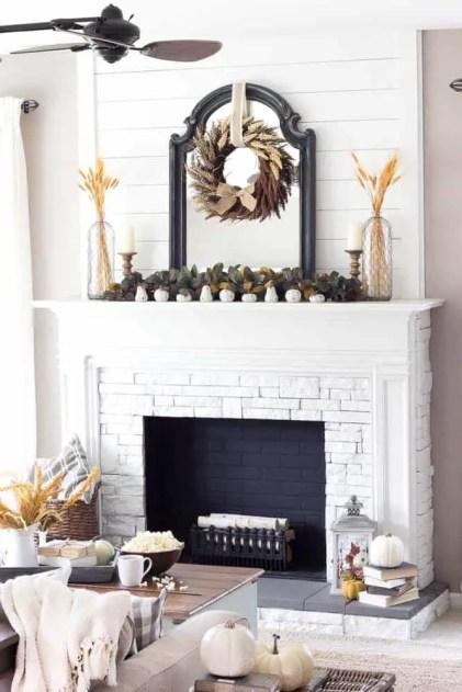 Fall-decorating-ideas-fireplace-mantel-02-1-kindesign