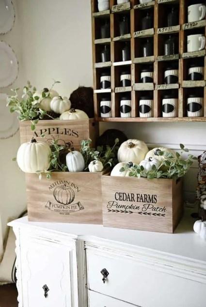 Farmhouse-fall-decorating-ideas-29-1-kindesign