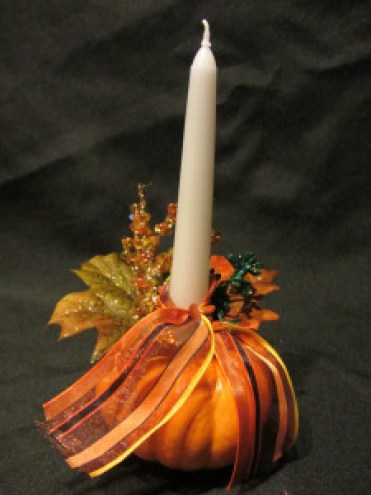 Pumpkin-candle-holder-for-thanksgiving