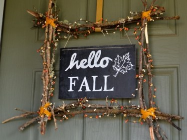Awesome-diy-fall-signs-for-indoors-and-outdoors12-500x418-1