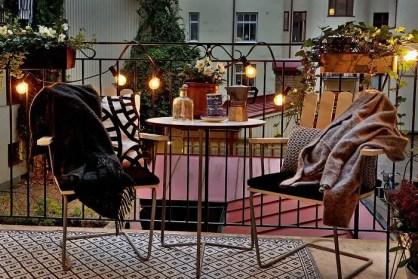 Balcony-decorating-ideas-55-573da1499154a__700