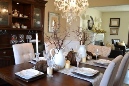 Branches-in-pitchers-fall-talbesscape-thanksgiving-tablescape-ideas-600x400-1
