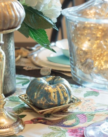 Decorating-with-metallics-fall-tablescape-ideas-12-1