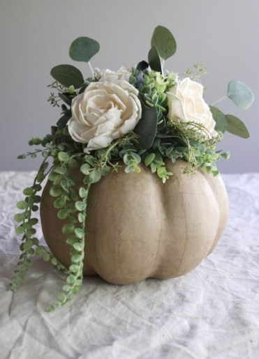 Diy-fall-and-thanksgiving-pumpkin-centerpieces-775x1163-1