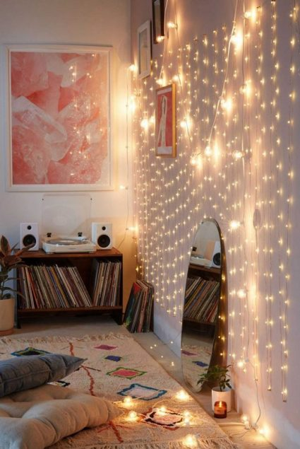 Eye-catching-wall-decorating-fairy-lights-ideas
