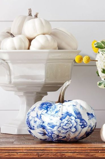 Fall-decorations-floral-painted-pumpkin-1625860058