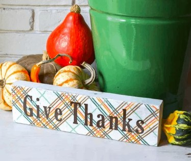 Fall-sign-give-thanks-1