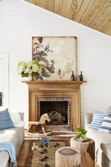 Fireplace-mantel-ideas-oversized-art-1580503660