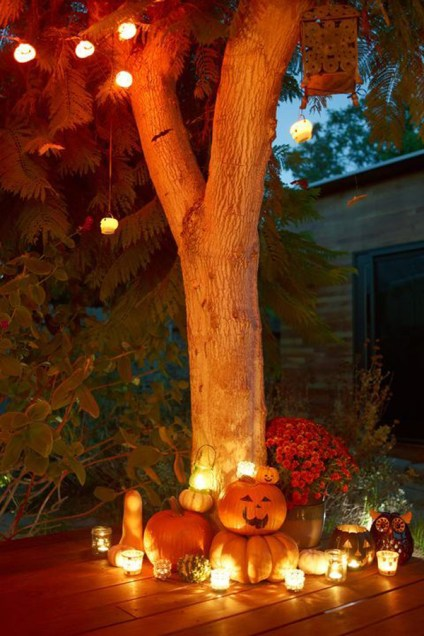 Outdoor-fall-decor-with-lighting-ideas