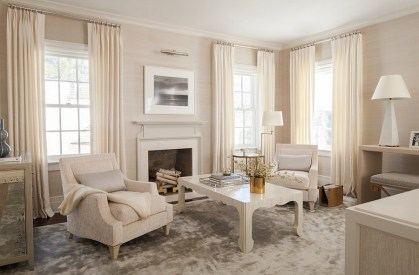 1-soothing-and-elegant-living-room-with-a-dash-of-gold
