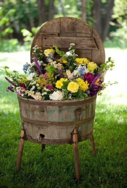 27-creative-garden-container-ideas-homebnc