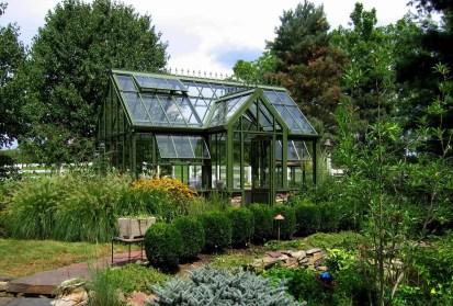 Awesome-backyard-greenhouse-design-ideas-14-1-kindesign