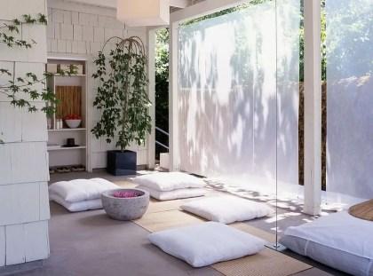 Meditationsraum-kann-bei-Bedarf-auch-als-Heim-Fitnessstudio-und-Yogastudio-benutzt werden