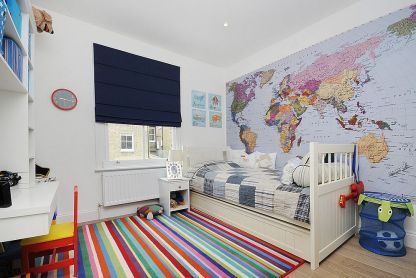 Simplicity-of-the-rug-design-makes-it-prefect-for-a-modern-kids-room