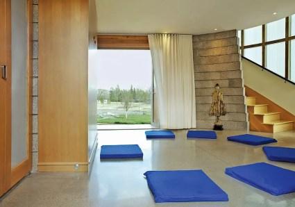 Verwandle-auch-den-Flur-in-eine-ruhige-Meditationszone-mit-dem-richtigen-Dekor
