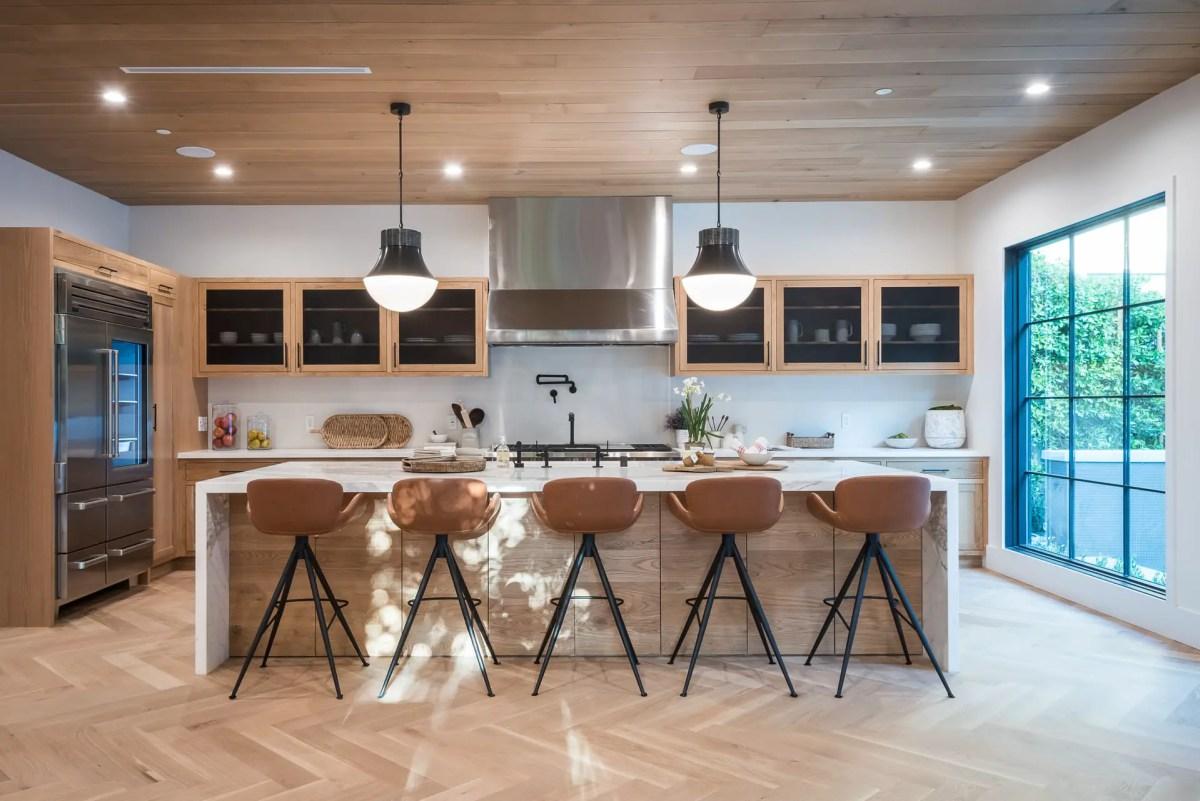 Contemporary-decor-modern-kitchen-2