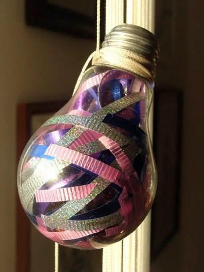 Diy-decoration-from-bulbs-120-craft-ideas-for-old-light-bulbs-6-566