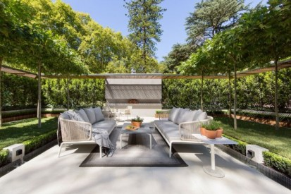 Stylish-and-modern-garden-and-terrace-design-by-nathan-burkett-10-554x369-1