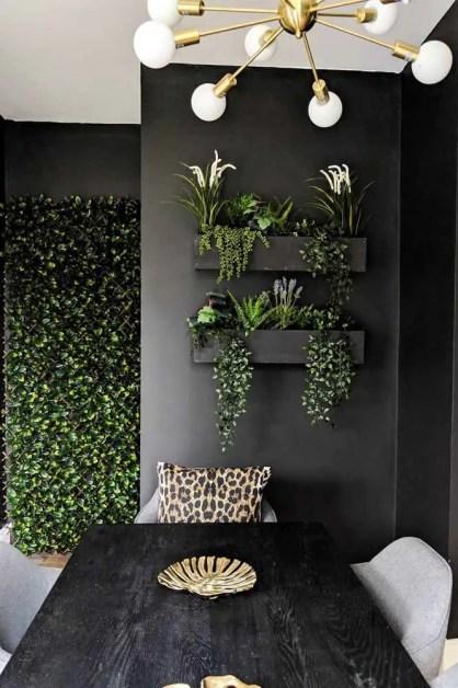 Wand-Pflanzgefäße-schwarze-Holz-Kästen