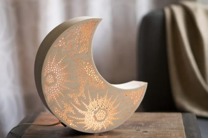 15-enchanting-night-light-designs-made-with-laser-cut-wood-6-768x512-1