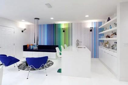 Bunte-und-ultra-moderne-Inspiration-für-das-kleine-futuristische-Zuhause