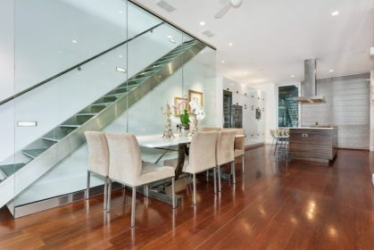 Contemporary-chicago-home-6-may212019-min-870x580-1