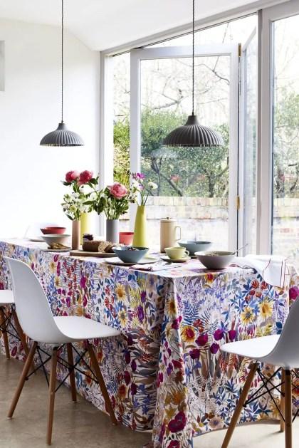 Frühlings-Dekor-Ideen-Blumen-Tischdecke-1578432966
