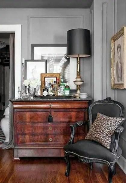 Möglichkeiten-um-antike-Stühle-in-modernes-Dekor zu integrieren-6