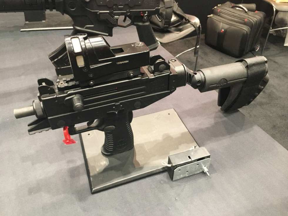 tactical submachine gun