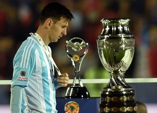 Heartbrake for Messi at 2015 Copa America Final.