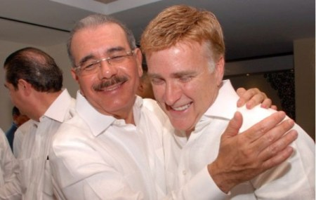 Danilo Medina y embajador James Brewster