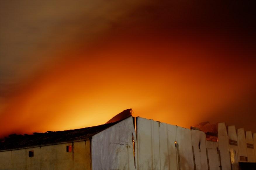 Incendio en la Cooperativa Agrícola de Alcàsser, Valencia. © mateoht 1990-2013 - http://lafotodeldia.net