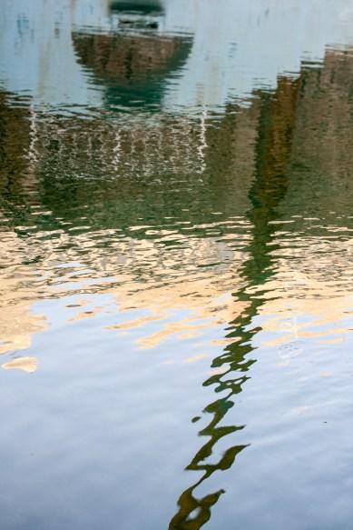 Reflejo en una piscina, Ghardaia, Argelia. © mateoht 1990-2014 - http://lafotodeldia.net