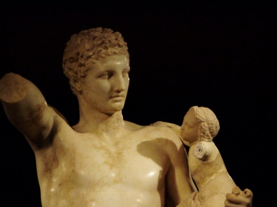 Praxiteles-Hermes-710x532