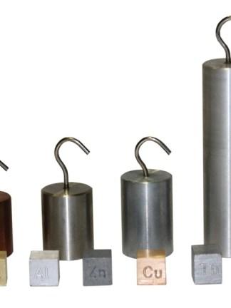 Cuburi cu volume egale si cilindri aceeasi greutate
