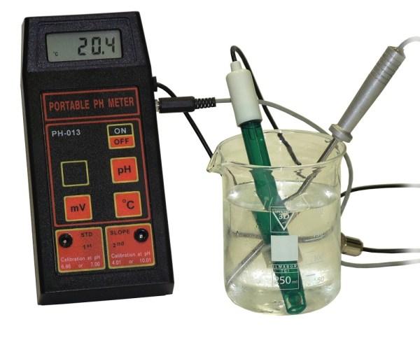 pH-metru de masura portabil pentru pH/mV/Temperatura 4