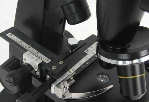Microscop digital cu ecran LCD 7