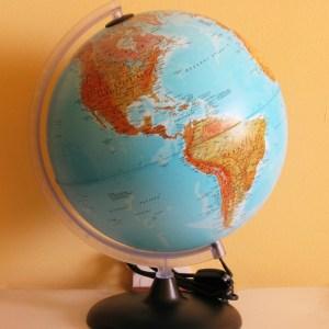 Glob geografic pamantesc iluminat 19