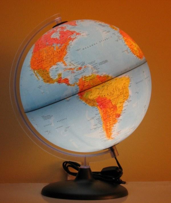 Glob geografic pamantesc iluminat 8