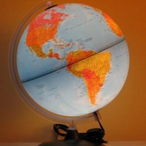 Glob geografic pamantesc iluminat 20