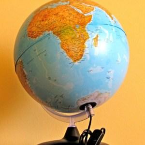 Glob geografic pamantesc iluminat 21