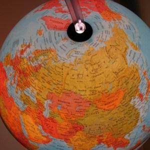 Glob geografic pamantesc iluminat 25