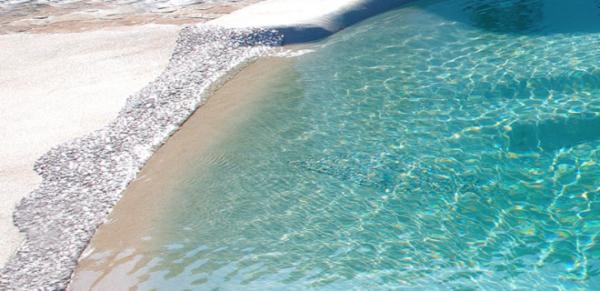 """alt=""""architettura-outdoor-biodesign-pool-senza-vasca-cemento-armato-minimo-inquinamento"""""""