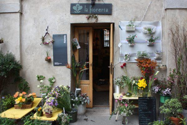 """alt=""""flowerdesign-flowershop-retaildesign-lafioreria-unpostoamilano-cascinacuccagna"""""""