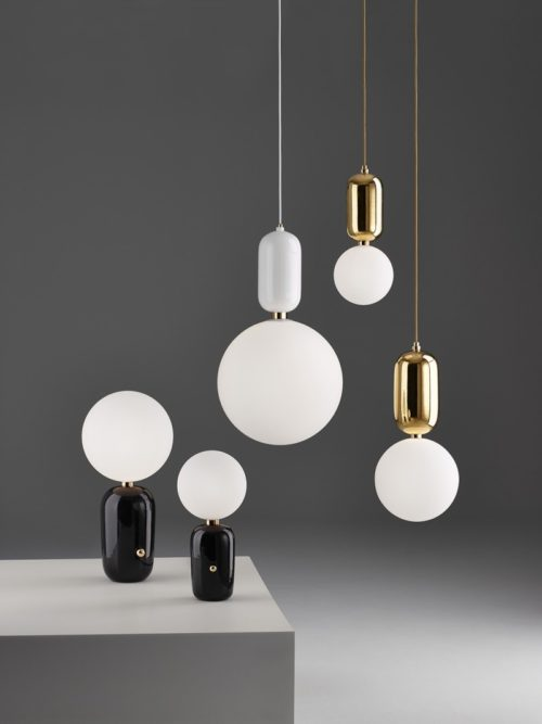 "alt=""interior-design-tendenza-white-minimal-aballs-hayon-studio-parachilna-lampada-bulbo"""