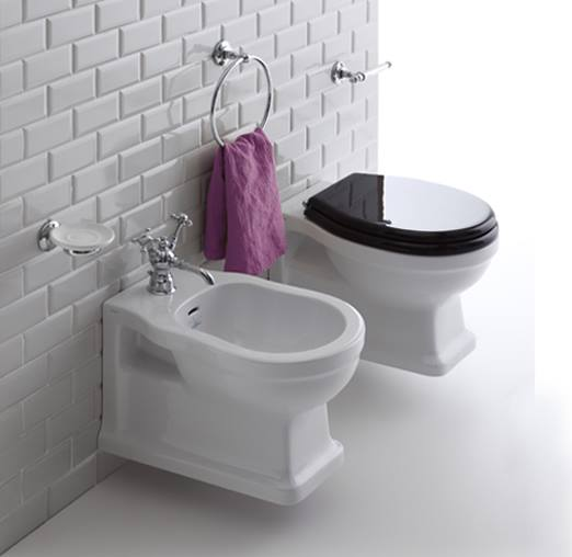 "alt=""stile-shabby-interior-styling-simas-sanitari-sospesi-classici-londra"""