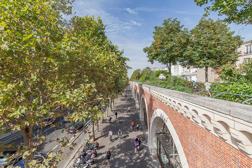 "alt=""Parigi - Ex ferrovie - Conversioni verdi - Promenade Plantée le Viaduc des arts - France"""