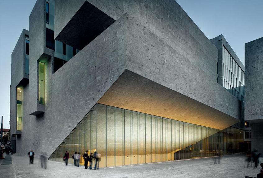 "alt=""Grafton Architects - Biennale 2018 - UTEC - Lima"""