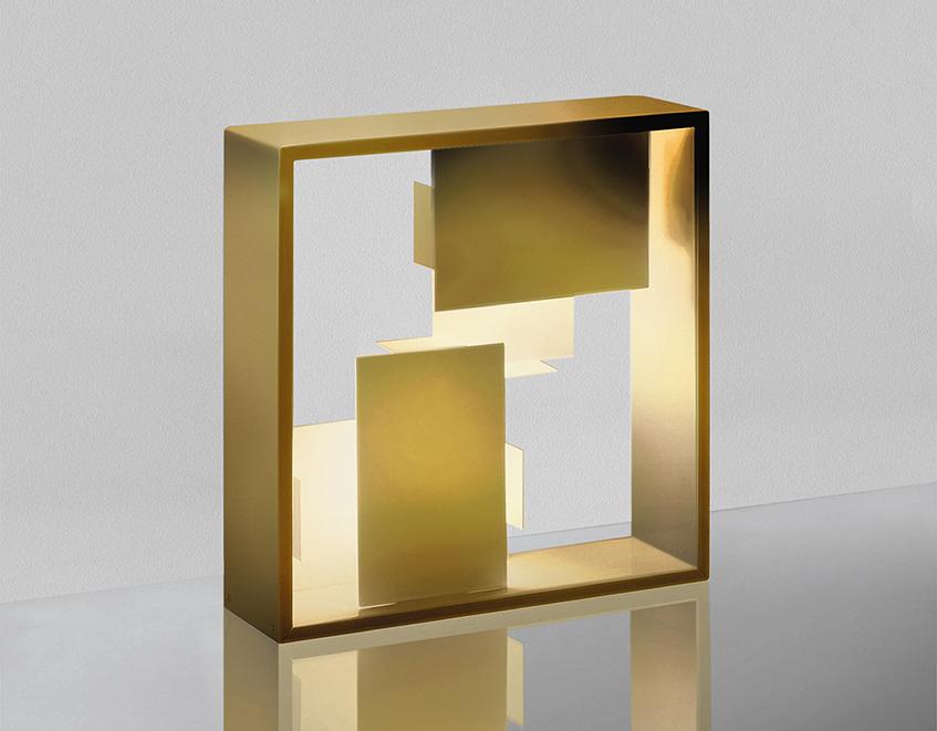 """alt=""""Regali di Natale & design - Lampada Gio Ponti Artemide -Fato dorata"""""""